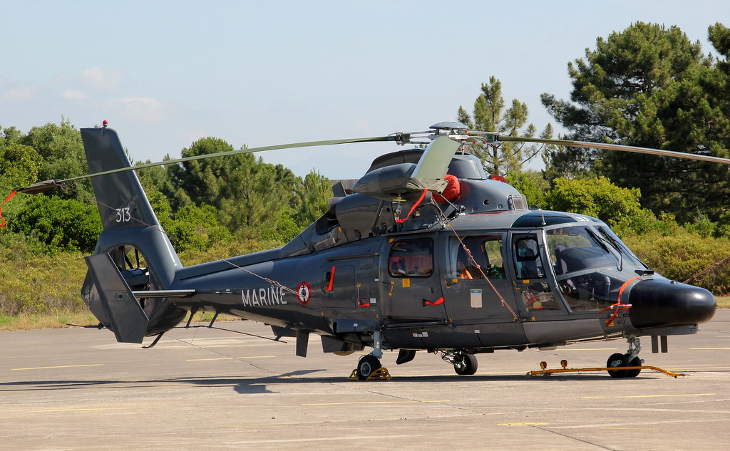 Eurocopter SA365F Dauphin 18514253708_6093560c9a_b