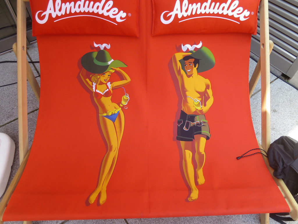 Almdudler Double Beach Chair