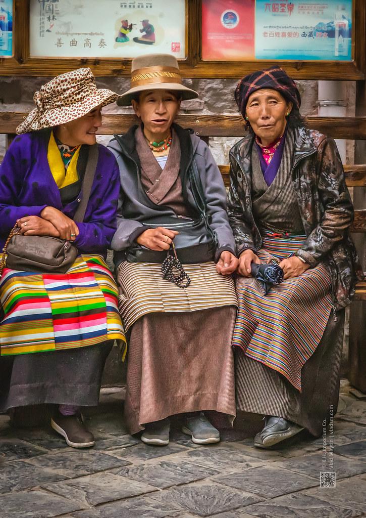 Tibet, three aunties (Lhasa, China), candid shot, 06-2016, 89 (Vlad Meytin, vladsm.com)