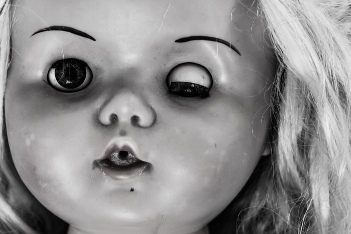 vanha nukke