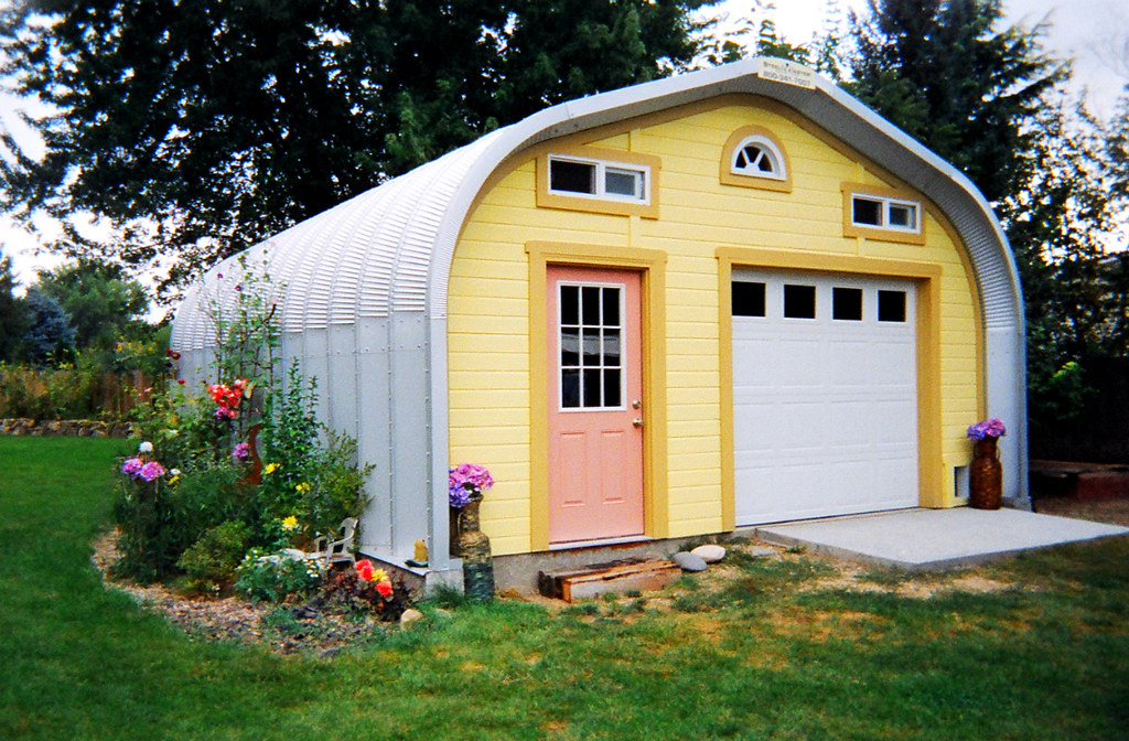 Yellow Shed In The Garden What A Quaint Little Garden