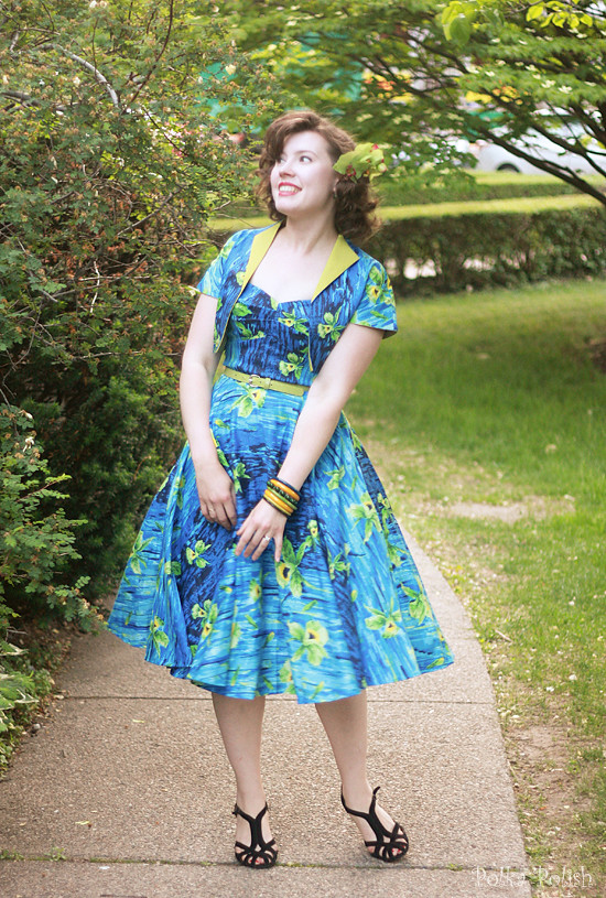 pinup girl hawaiian dress 1