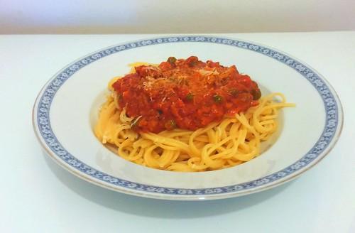 Spaghetti with ground meat tomato cream sauce / Spafghetti mit Hackfleisch-Tomaten-Sahne-Sauce