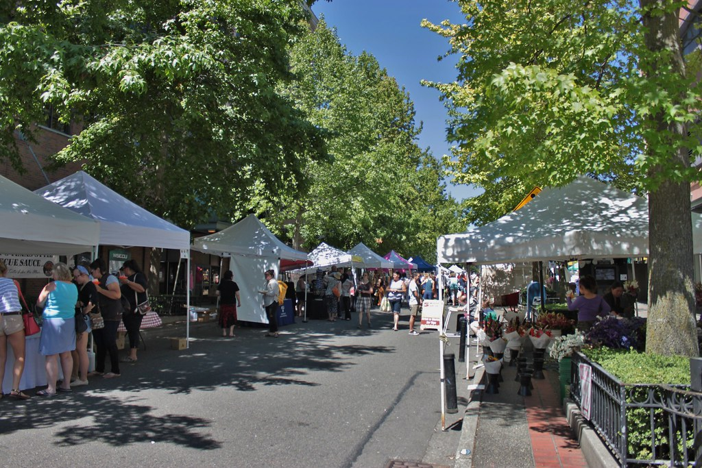 Broadway Market, Tacoma | A weekly farmers market held on tw
