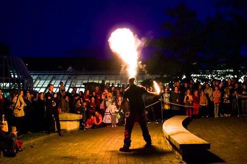 Museums at Night Koonsbury - Firebreathers - 12