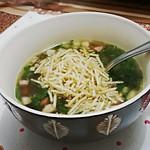 Dos muitos motivos para amar o friozinho: vários tipos de sopas e caldos rolando aqui em casa nos últimos dias. O de hoje é caldo verde. #amofrio
