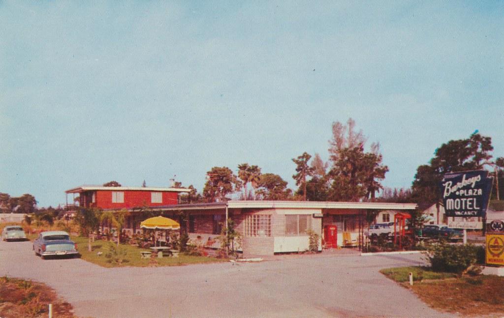 Burkey's Plaza Motel - St. Petersburg, Florida