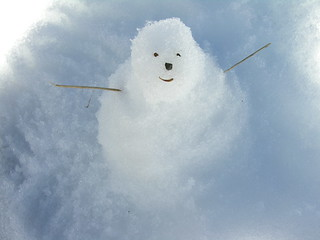 Snowman in Okaimeden | by Squirmelia