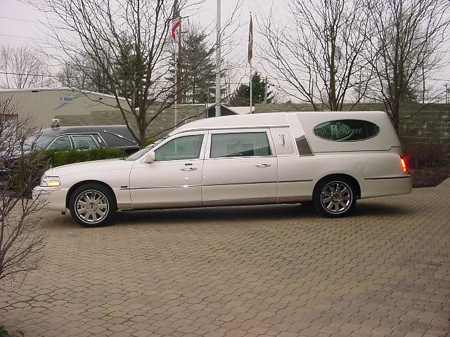 Lincoln Town Car Hearse Eagle Coach Hearse Factory In Am Flickr