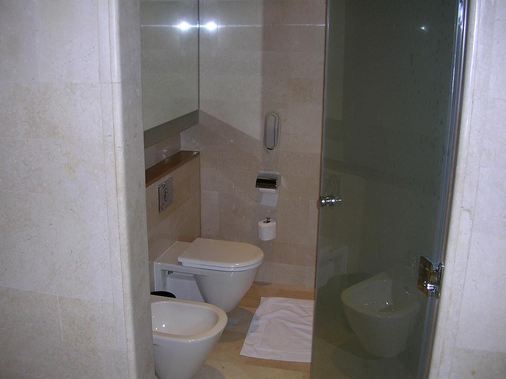 Kuwait - Hotel Fancy Room - Main Bathroom another shot   Flickr