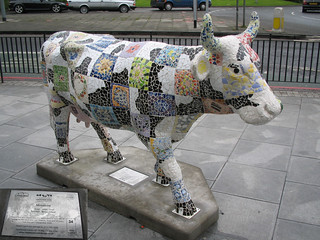 No 34 Mosaicow at Edinburgh Cow Parade 2006 | by www.theedinburghblog.co.uk