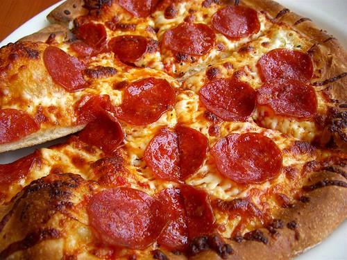 California Pizza Kitchen Pepperoni Pizza california pizza kitchen | pepperoni cheftami.blogspot/ | flickr