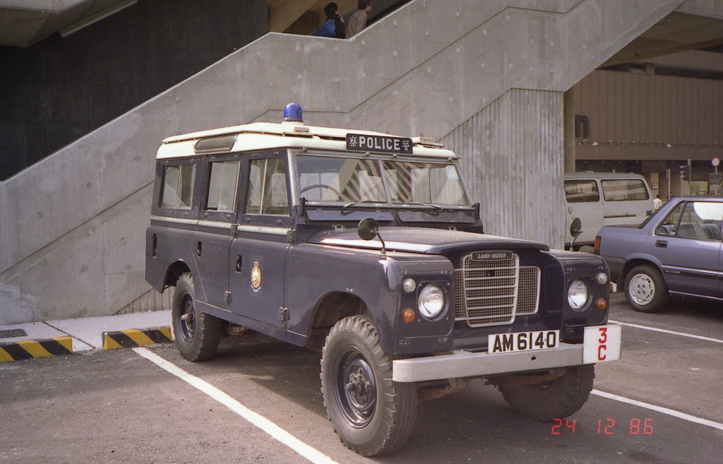 Land Rover Truck >> Hong Kong Police Land Rover in 1986 | Land Rover Series ...