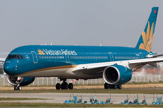 Vietnam Airlines Airbus A350-941 cn 014 VN-A886