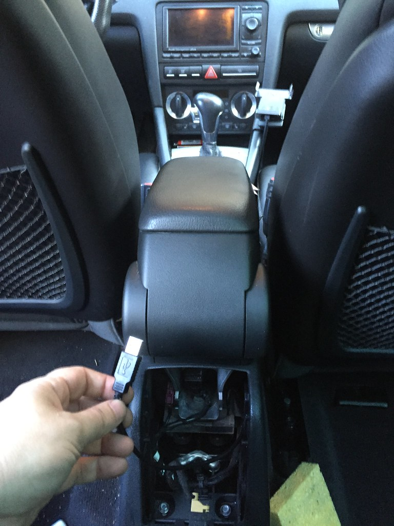 If anyone has a wiring diagram they can share for lighter plugs in the arm  rest it would be much appreciated. I'm also thinking about splicing into  the ...