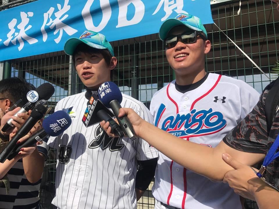 陳冠宇、王柏融(左起)。(李心筠/攝)
