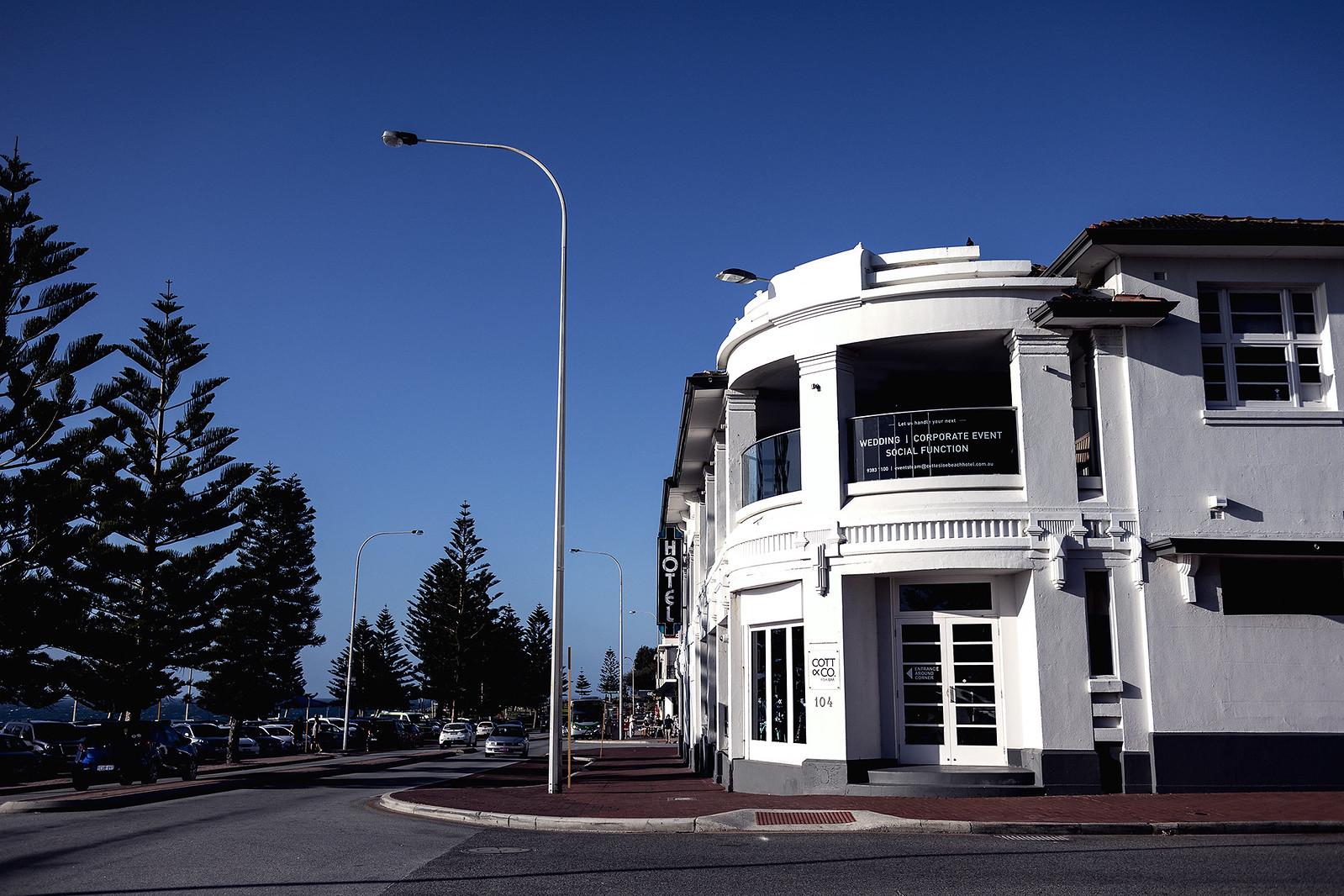 Cott Hotel