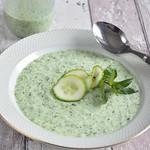 Kalte Gurkensuppe mit Joghurt, Minze & Dill