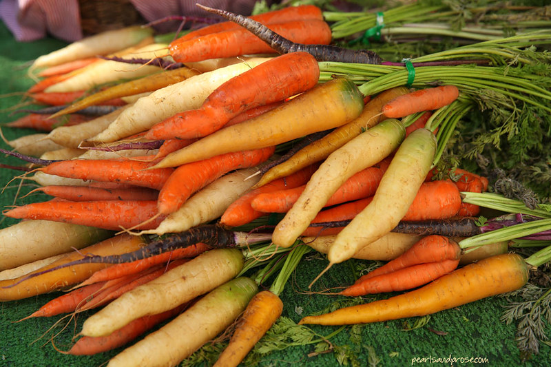 farmers_heirloom_carrots_web