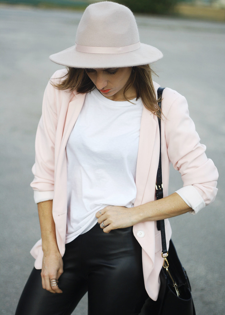 Nude hat, plain white shirt