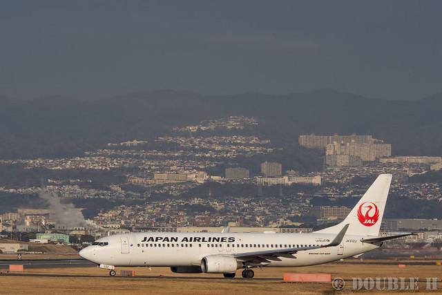 Itami Airport 2017.1.31 (9) JA332J / JAL's B737-800