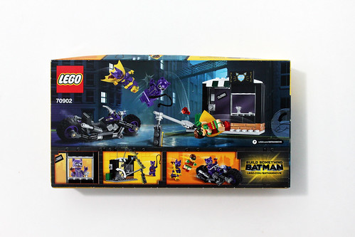 The LEGO Batman Movie Catwoman Catcycle Chase (70902)