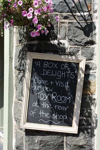 Toy Room sign