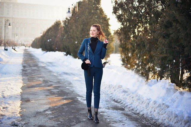 How to wear a pantsuit winter (10)