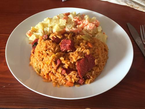 166 - Dominikanisches Reisgericht mit Kartoffelsalat / Dominican rice dish with potato salad
