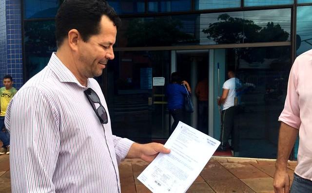 Oficial e Justiça e o mandado coercitivo não cumprindo contra Lira Maia