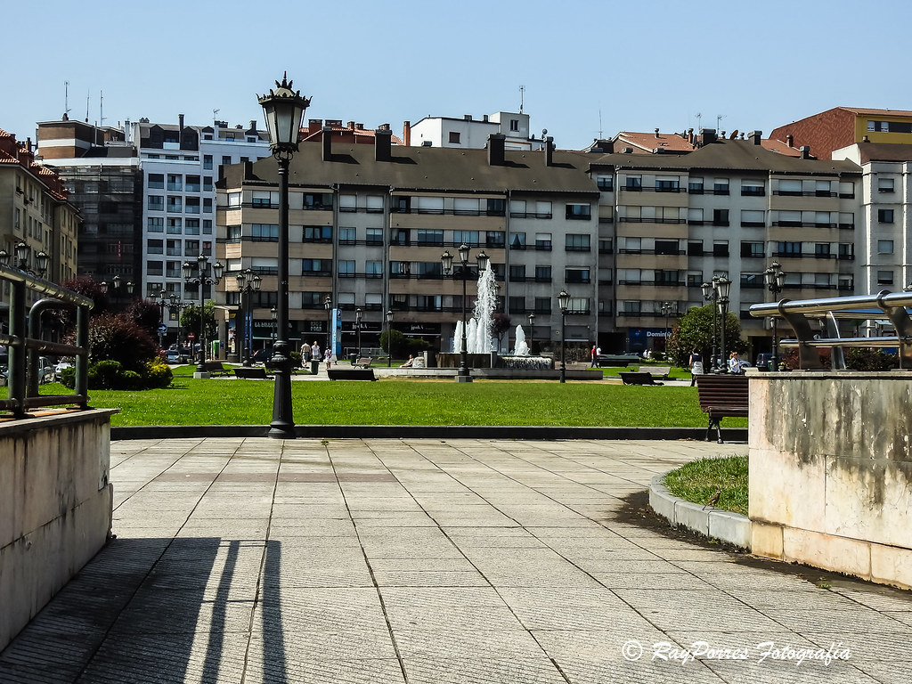 Plaza de los maestros de oviedo asturias espa a flickr - Muebles en oviedo asturias ...