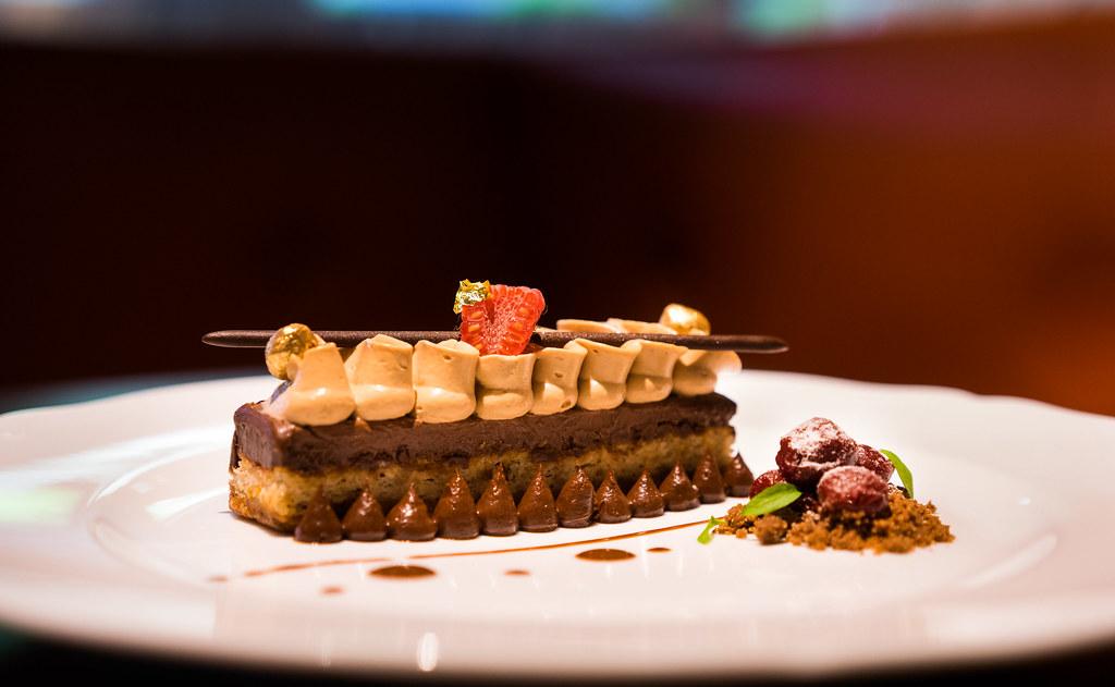 光环餐厅百利酒和榛子FEUILLANTINE (1)