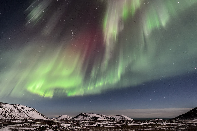 Northern Lights paroxysm in Reykjanes (Iceland)