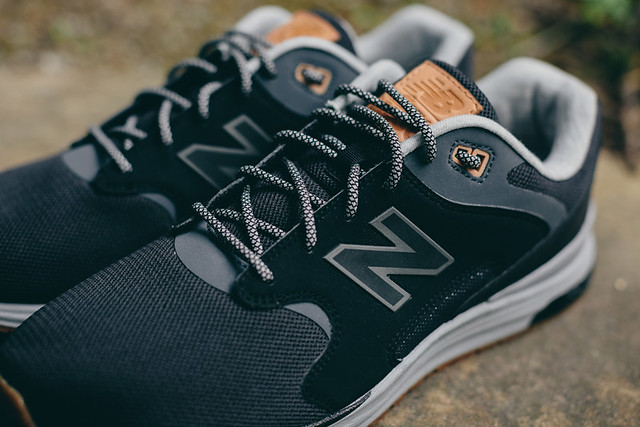 New Balance Combines Two of Its Retro Runners 8