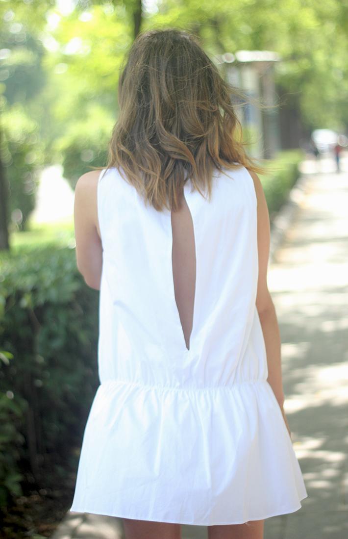 White dress black sandals17