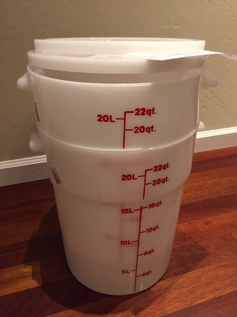 22 Qt Storage Containers & Lids