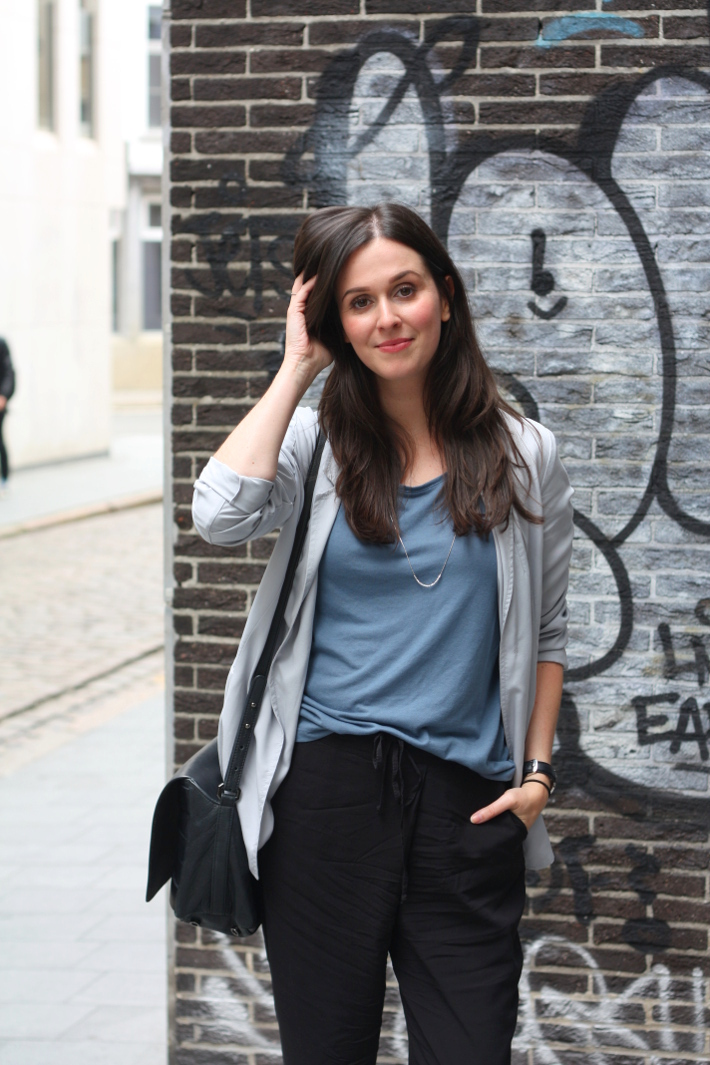 outfit: relaxed professional in pearl grey blazer, cropped trousers