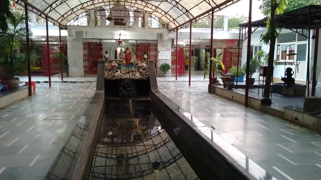 Temple entry gate with beautiful fountain