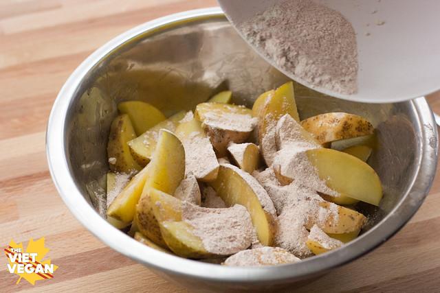 Vegan Fluffy Oven-Baked Potato Wedges