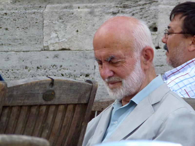 Turquie - jour 23 - Balades poétiques et visages stambouliotes - 153 - Au pied de Beyazıt Camii