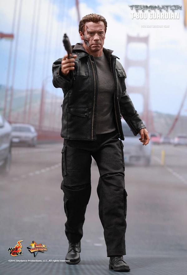 Hot _Toys_Terminator_Guardian_02