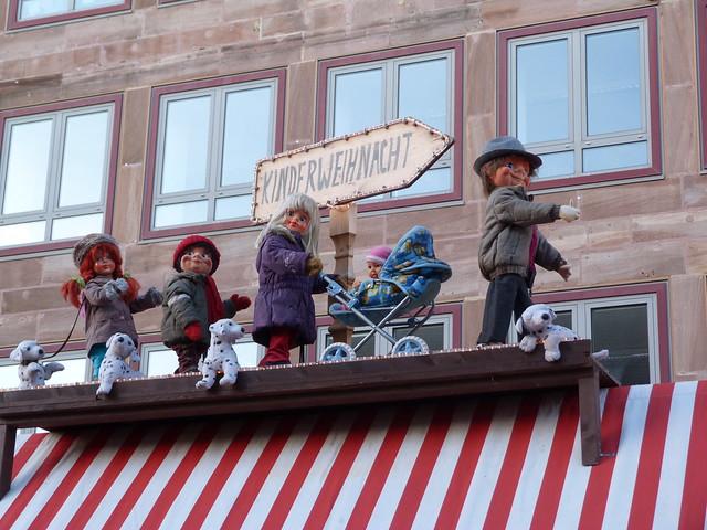 Mercado navideño de los niños en Nuremberg (Franconia, norte de Baviera)