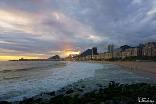 Copacabana al atardecer