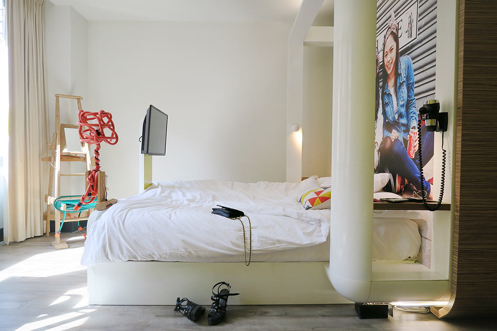 qbic-london-hotel-fun-room-review