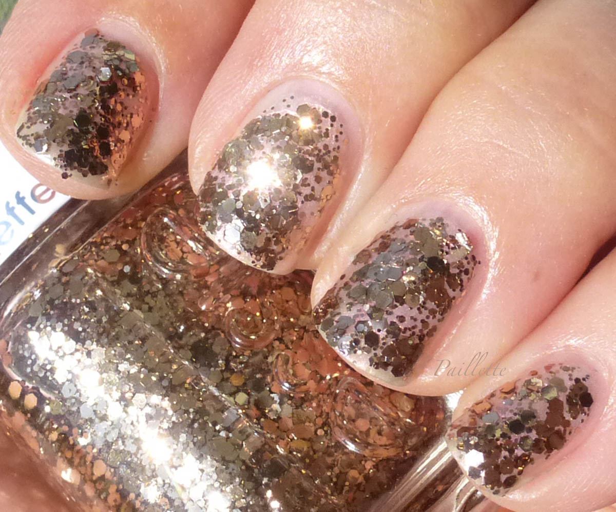 Paillette: a little nail polish journal: Gold Glitter and Pearls