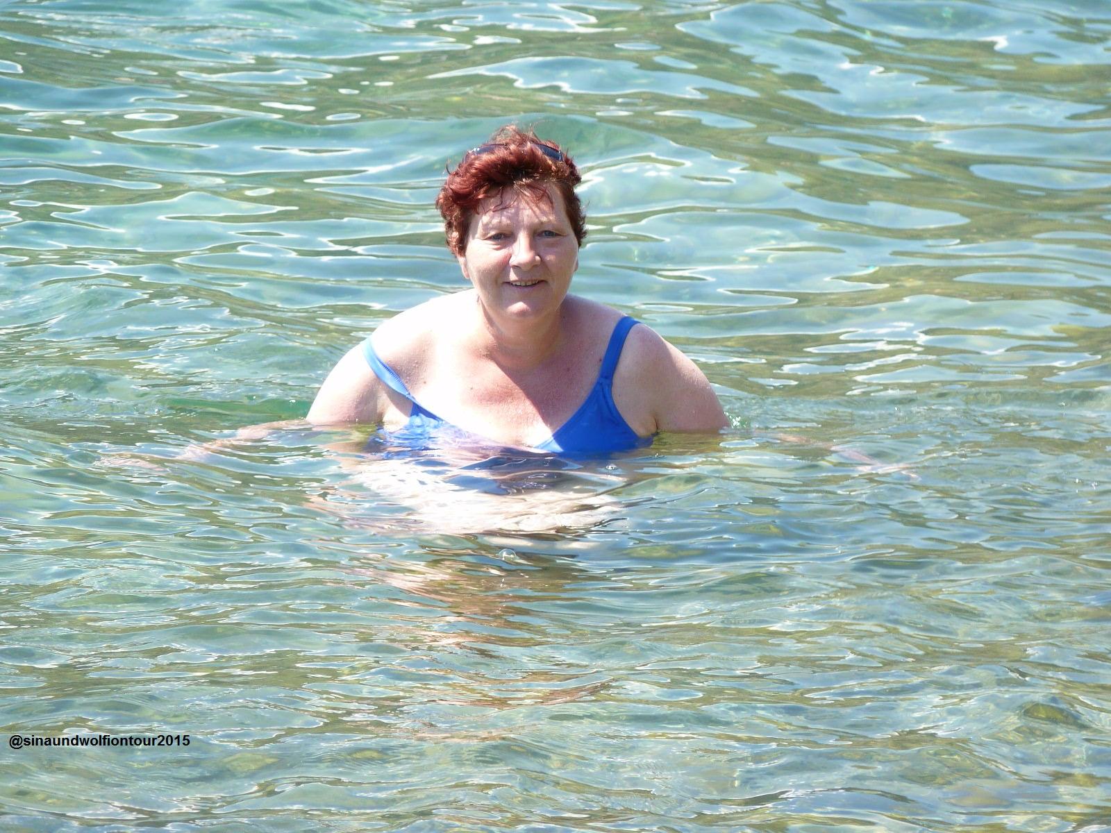 Baden in der Bucht von Kotor