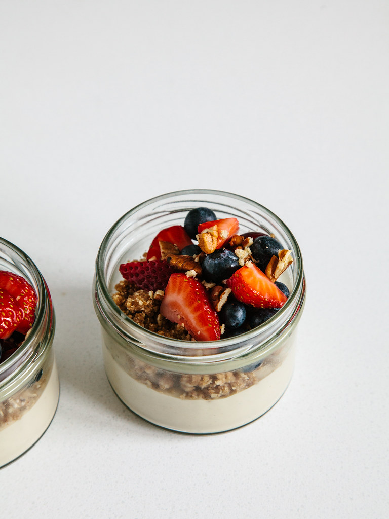 Almost raw deconstructed cheesecakes