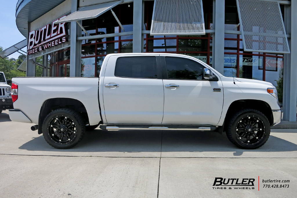 Toyota tundra with 22in fuel hostage wheels view