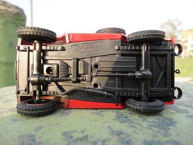 GAZ 69 PMG 20 Brigada de bomberos 1/43 (IST Models)