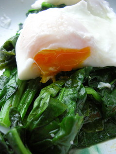 poached egg on spinach | by shauna | glutenfreegirl